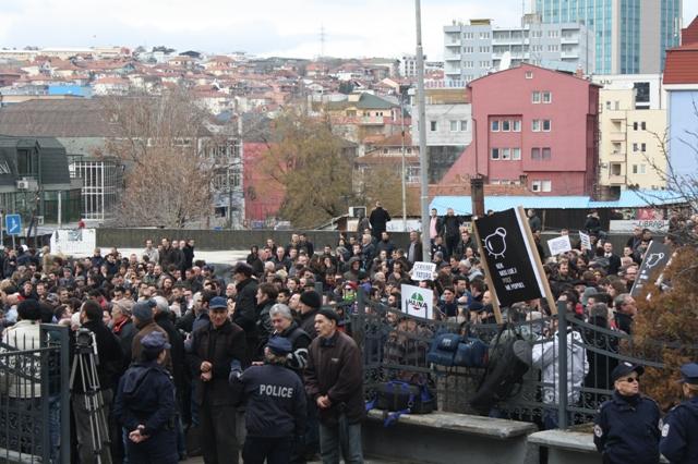 Protesta_KEK_Donjeta_Hoxha_762121