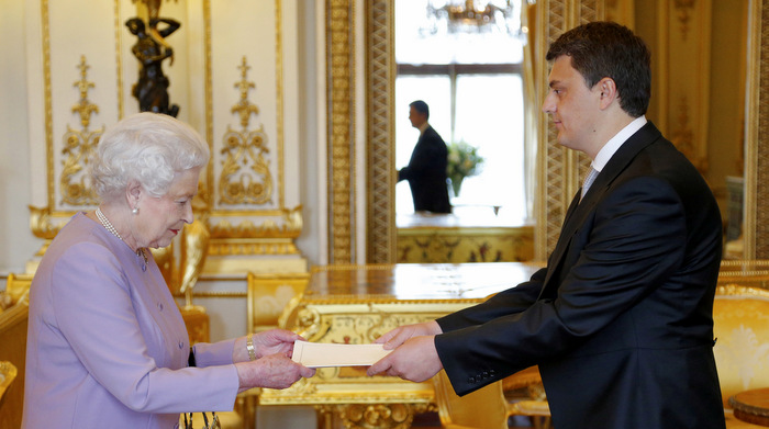 Credentials presented at Buckingham Palace