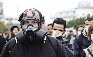 Vedat Xhymshiti leading a demonstration against Albania destroying Syria's chemicals