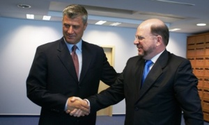 Christopher Dell with Kosovo PM Hashim Thaci in 2009. Dell took joined Bechtel when he finished his career at the State Department. Photo: Office of the Kosovo PM