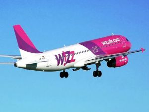 Whizzair by Adrian Pingstone.